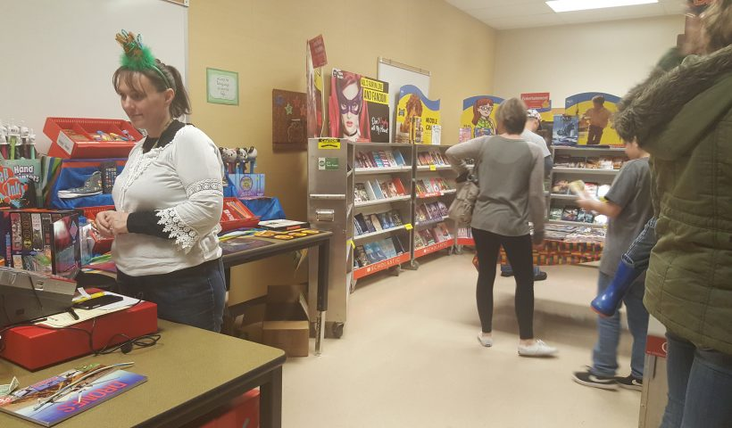 People shopping at the book fair.